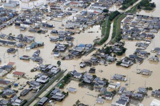 Ratusan ribu orang diminta mengungsi karena hujan lebat di Jepang
