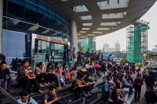 Ribuan pencari kerja berburu lowongan di SMESCO