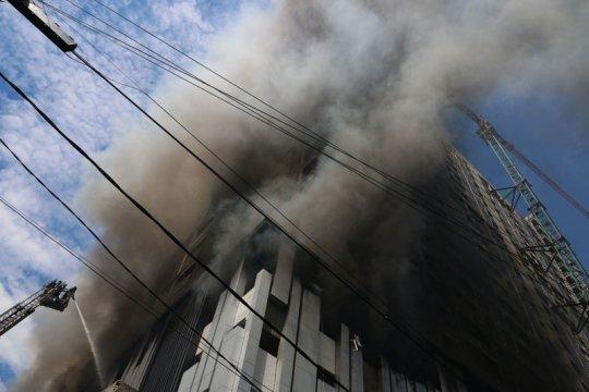 Gudang elekronik di Medan terbakar