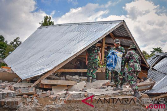 TNI perbaiki saluran air di Bayan