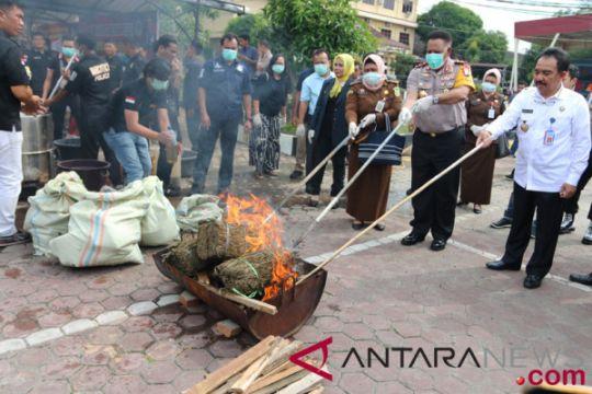 Polisi musnahkan narkoba dari Malaysia Rp5,16 miliar
