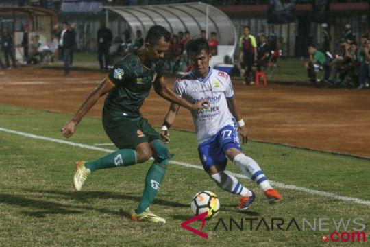 Persib Bandung kalahkan PS Tira 3-2