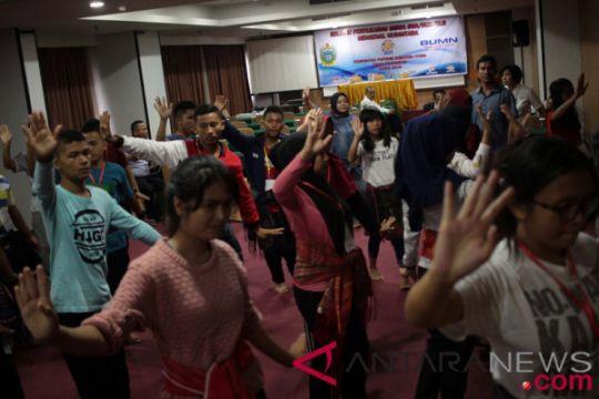 33 siswa Sumut belajar melukis motif moi