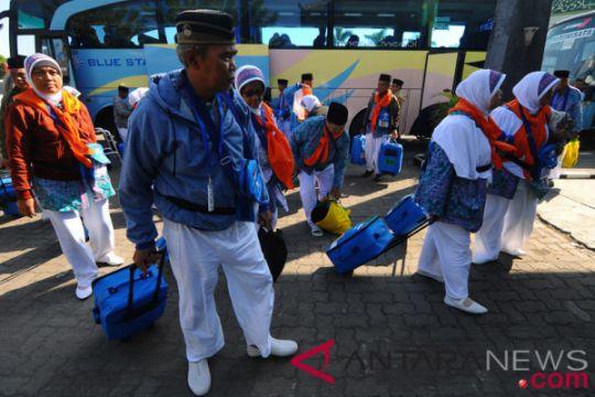 Proses keimigrasian Embarkasi Surabaya terkendala pemindai biometrik