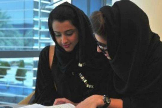 Arab Saudi tanggalkan aturan pembatasan wanita pergi ke luar negeri