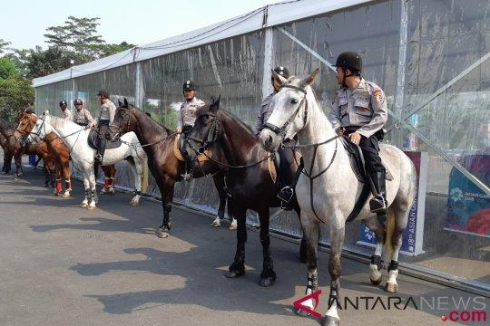 Pasukan berkuda mulai amankan areal GBK