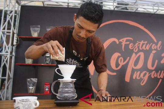 Komunitas Bogor sajikan 10.000 cangkir kopi gratis