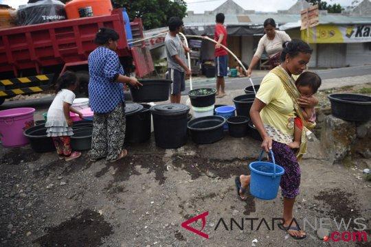 Pengiriman sarana air bersih ke lombok dilanjutkan