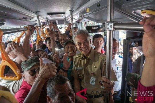 Transjateng Kendal-Semarang ditolak, Ganjar ajak berembuk