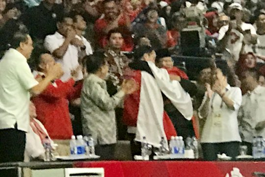 Presiden Jokowi dan Prabowo kompak sebut pelukan Hanifan berbau harum