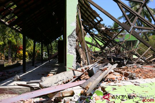 Mataram dapat puluhan tenda darurat untuk sekolah
