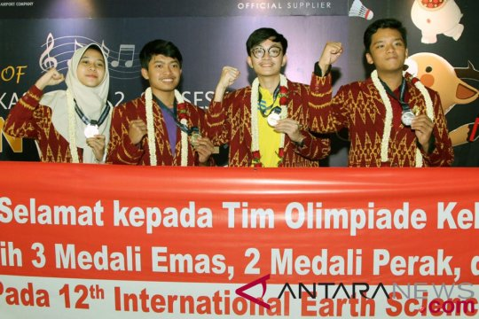 Muhammad Fikri dapat medali emas Olimpiade Internasional