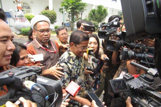 Menteri Sosial belum mau tanggapi isu pengunduran diri