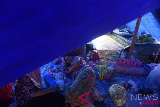 Tenda pengungsian di Lombok Timur bertambah