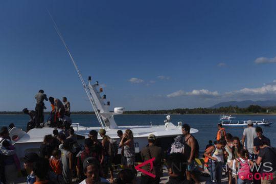 SAR kerahkan lima kapal untuk evakuasi turis dari Gili Matra