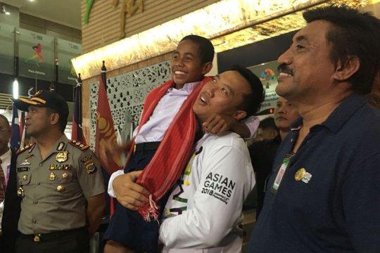 Kemarin, Joni pemanjat tiang bendera ke Jakarta hingga pembukaan Asian Games