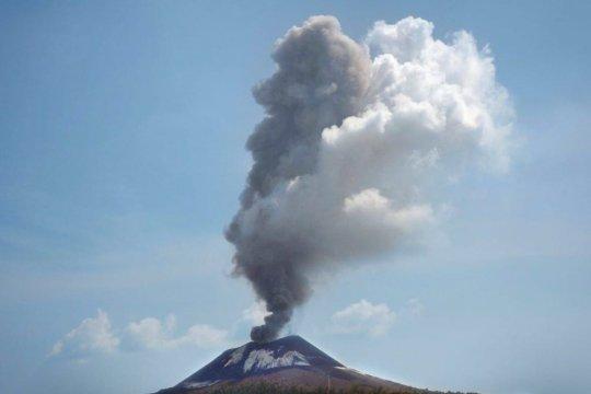 Gunung Anak Krakatau keluarkan 44 kali letusan