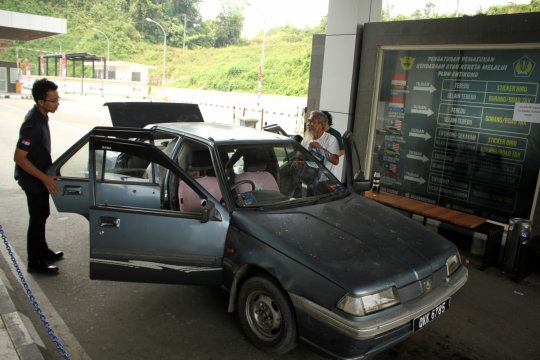 Polres di Mempawah gagalkan penyelundupan mobil asal Malaysia