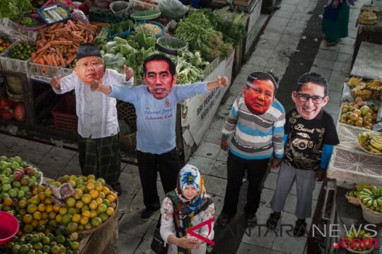 Survei : Elektabilitas Jokowi-Ma`ruf dan Prabowo-Sandiaga selisih dua digit