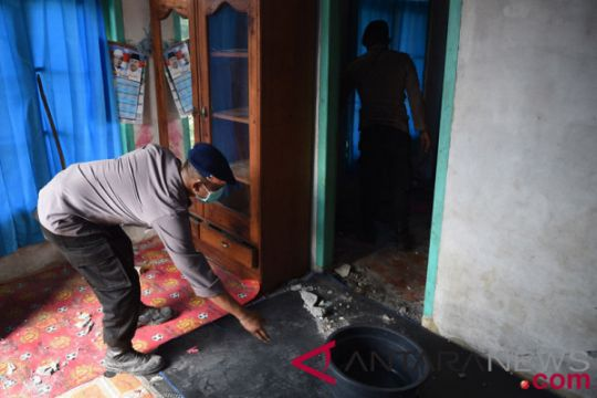 MDMC bantu pengungsi gempa terkena gigitan ular