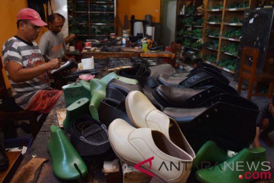 Industri Rumahan Sepatu Kulit