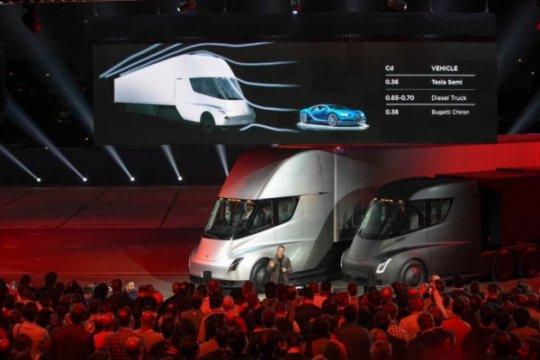 Tesla akan kembangkan van listrik 12-penumpang
