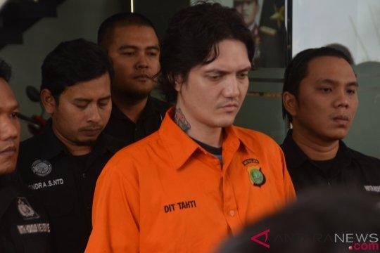 Ozzy Albar tak melakukan perlawanan saat ditangkap
