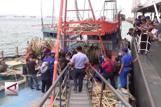 Polda Kepri tangkap dua kapal asal Vietnam