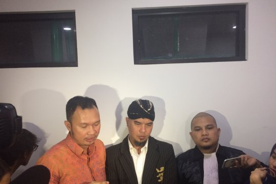 Ahmad Dhani tegaskan cuitannya bebas hoax