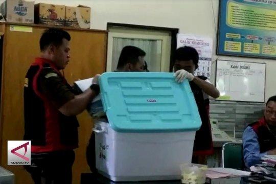 Tersangka korupsi dana gempa lolos DCT