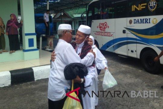 Jamaah haji asal Belitung diberangkatkan ke daerah asal dari Palembang