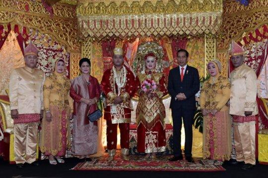Jokowi hadiri resepsi pernikahan pengawal bermotor Pasukan Pengamanan Presiden