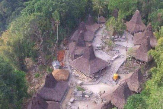 Kampung adat Bondo Morotuo Sumba Barat terbakar