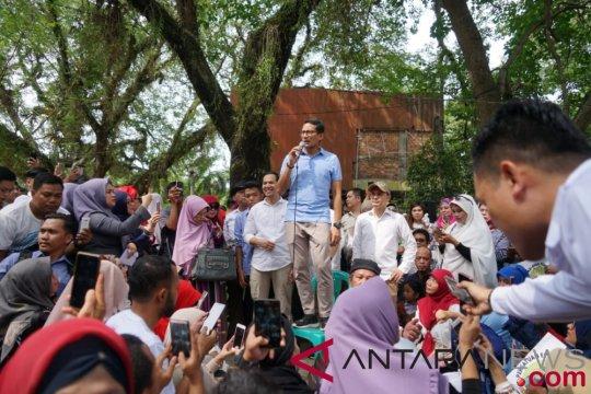 Sandiaga serap aspirasi masyarakat di Taman Kambang Iwak