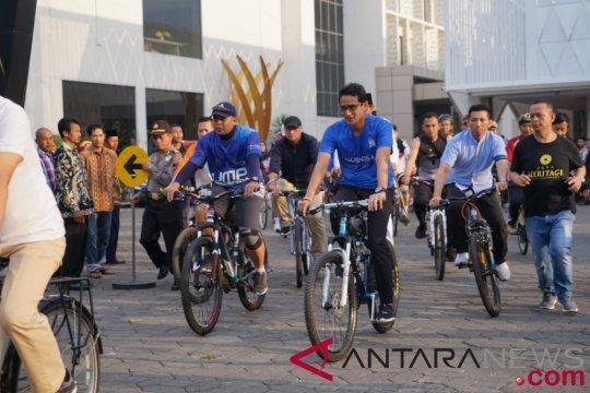 Sandiaga bersepeda bersama warga Purwokerto