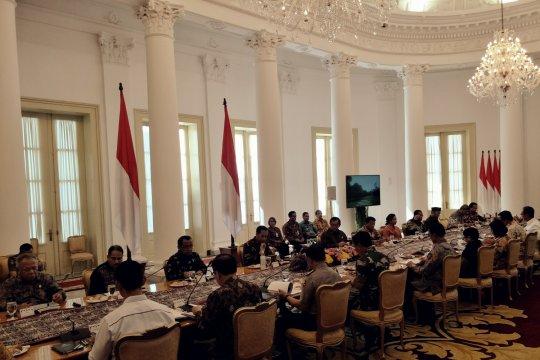 Presiden Jokowi pimpin rapat kabinet terbatas persiapan Asian Para Games 2018