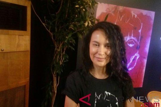 "Sophia Latjuba kosongkan jadwal demi ""Bawi Lamus"""