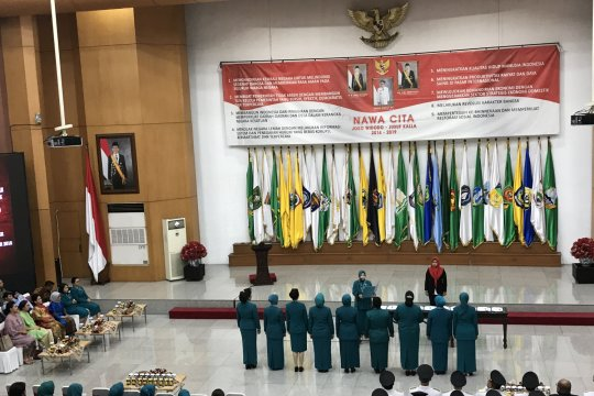 Iriana saksikan sembilan istri Gubernur dilantik jadi Ketua Dekranasda