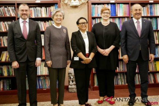 Menlu Retno sampaikan pentingnya multilateralisme pada pertemuan MIKTA