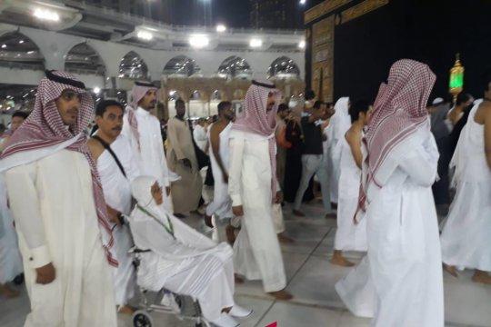 Komjen Suhardi Alius penuhi keinginan ibunya berangkat umrah