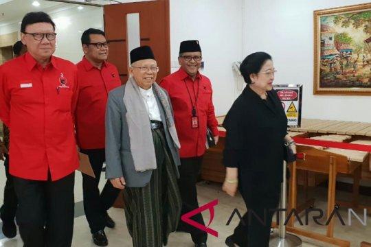 Ma'ruf Amin pamitan ke kiai sepuh di Jawa Timur terkait pengunduran diri dari Rais Aam PBNU