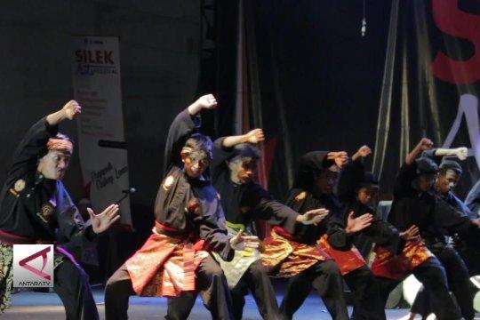 Lestarikan Silat lewat Silek Art Festival
