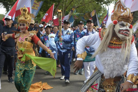 Pawai Obor Asian Para Games Bali