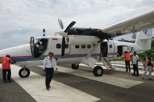 Pesawat Twin Otter  mengangkut beras Bulog dilaporkan hilang