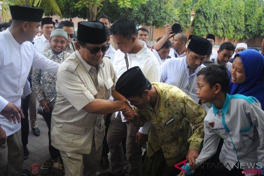 Prabowo ziarah ke makam Syaichona Kholil di Bangkalan