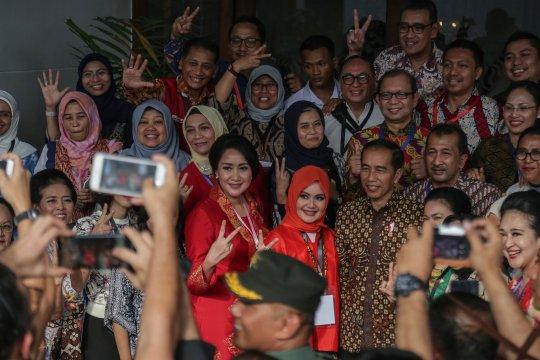 Jokowi ajak perempuan Indonesia rawat kebhinekaan