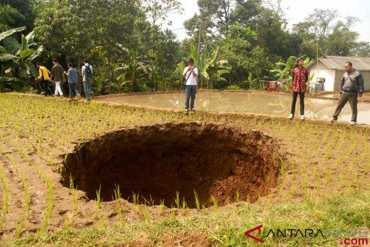 Badan Geologi ungkap penyebab tanah amblas di Sukabumi