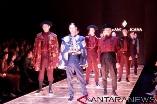 Saat batik Indonesia berpadu dengan tradisi matador Spanyol