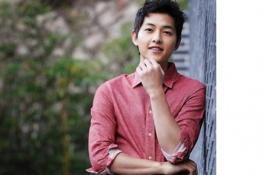"Song Joong Ki mundur dari film ""Season of You and Me"""