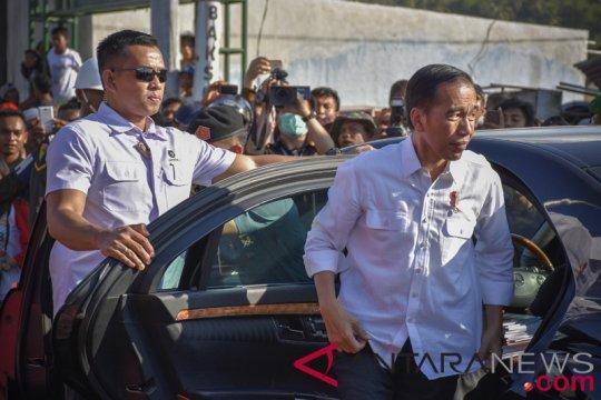 Presiden Serahkan Bantuan korban Gempa Lombok